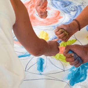 Έντεχνη δράση ο χώρος ψυχοθεραπείας Art therapy